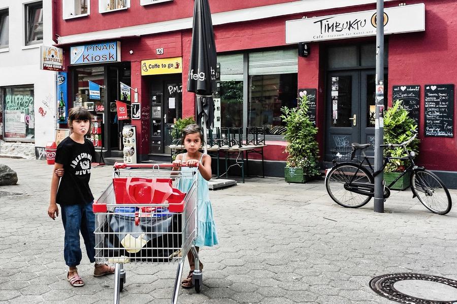 Kinder im Karolinenviertel in Hamburg
