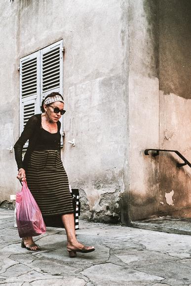 Lady in Bastia, Korsika