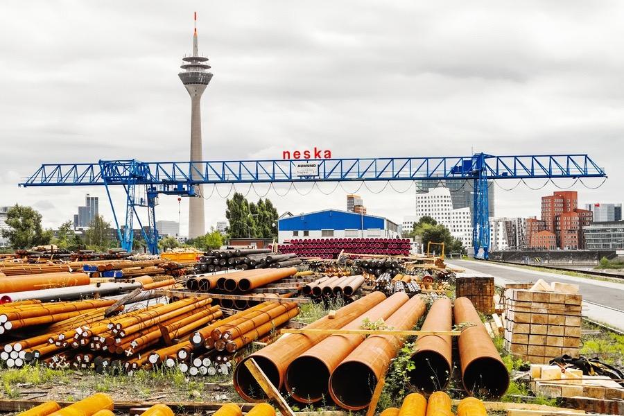 Rheinturm Düsseldorf im Kontext der Industrie