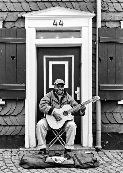 Yawovi Agbagli - Musiker aus Duisburg, aufgenommen in Essen Werden