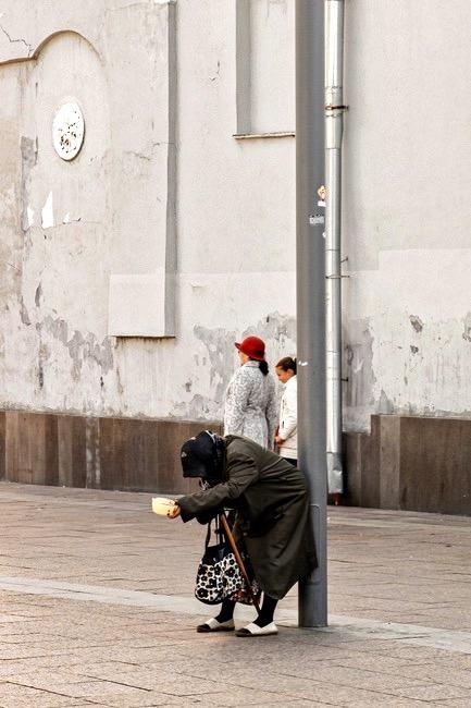Die Frau mit dem roten Hut