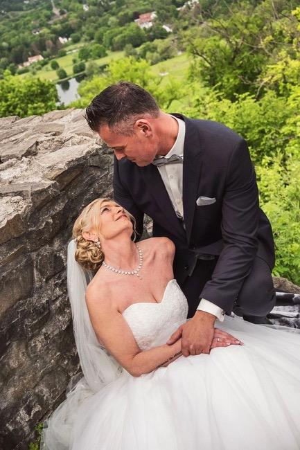 Photo of a wedding celebrationGenre: Wedding, Documentary, Reportage
