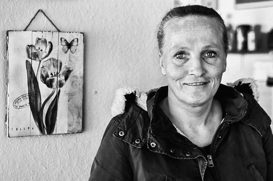 """Besucherin des """"Nassen Cafes"""" in Gelsenkirchen"""